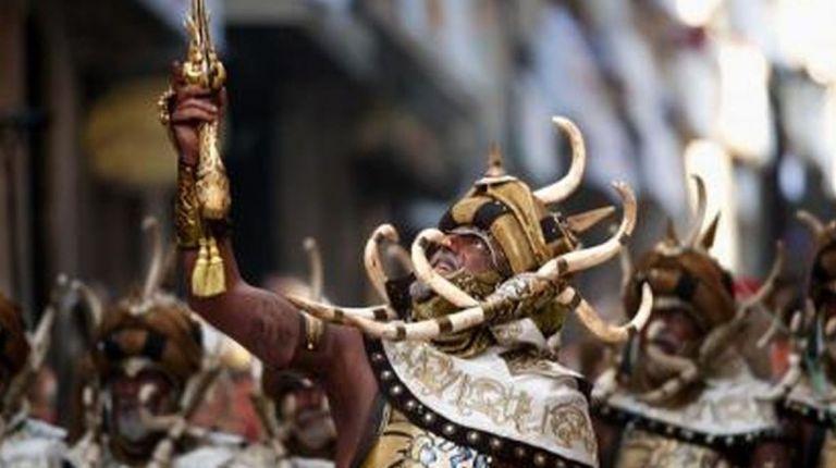 Los Moros y Cristianos son una de las fiestas más tradicionales de la Comunitat Valenciana