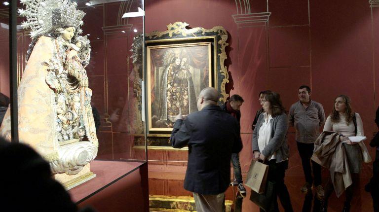 """El Museo Mariano y parroquias de la diócesis ceden piezas a la exposición """"Mare dels Desemparats"""" inaugurada en el MuVIM"""