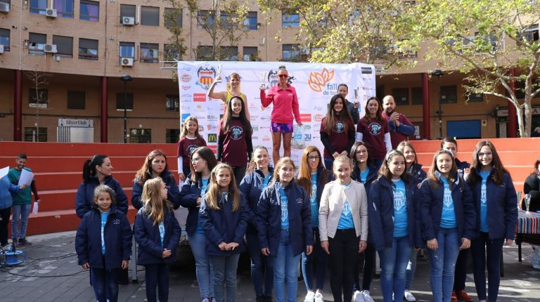 La carrera solidaria de la falla Segon Tram Avinguda recauda 1.750 € para la Asociación Asperger