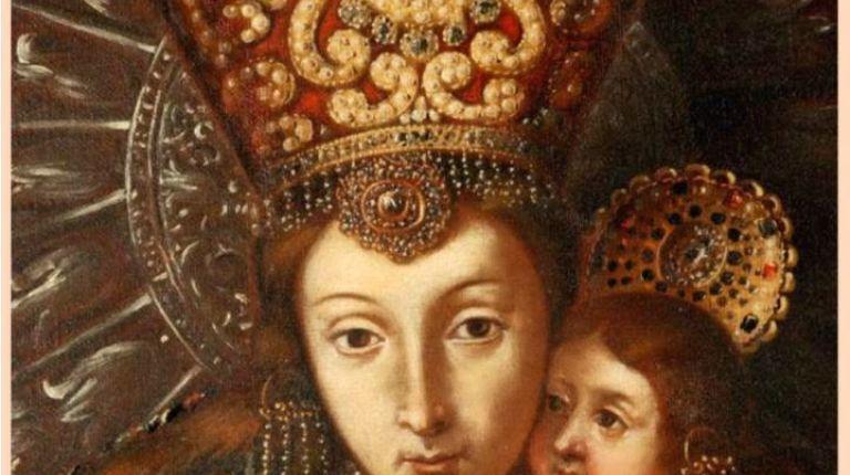 La imagen de la Virgen de los Desamparados lucirá el miércoles en el Besamanos un manto blanco con bordados en oro