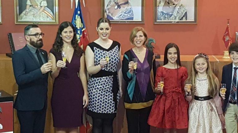 Sole Giménez recibió el premio Vicente Monfort de la Falla de Les Arts