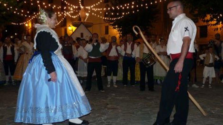Bocairent celebra a San Agustín con misas, una procesión y cinco noches de danzas tradicionales
