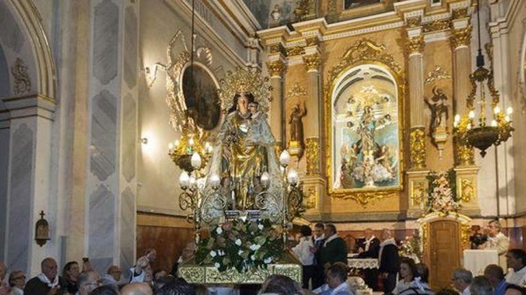 La imagen peregrina de la Virgen de los Desamparados visita este fin de semana la parroquia de San Roque de Benicalap
