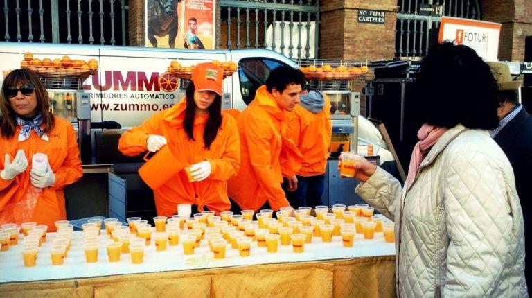 La horchatada y naranjada fallera cumple su undécimo aniversario