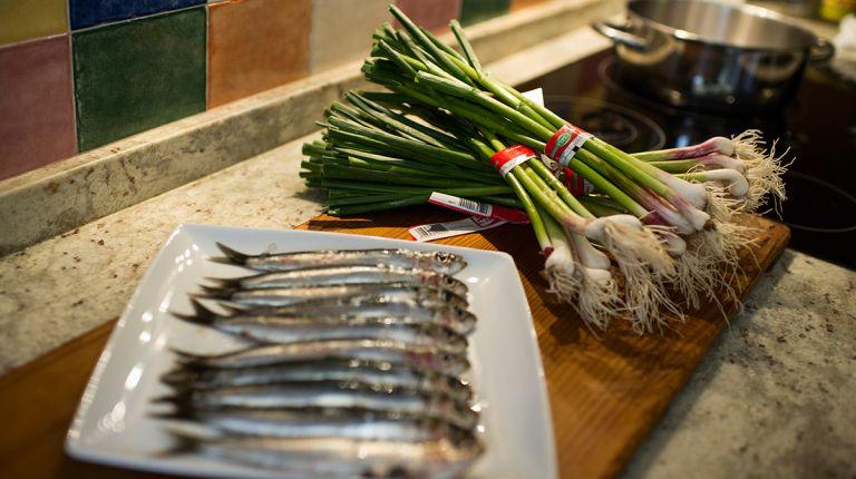 Xàtiva exalta las bondades culinarias de su ajo tierno en un concurso gastronómico con restaurantes de toda España