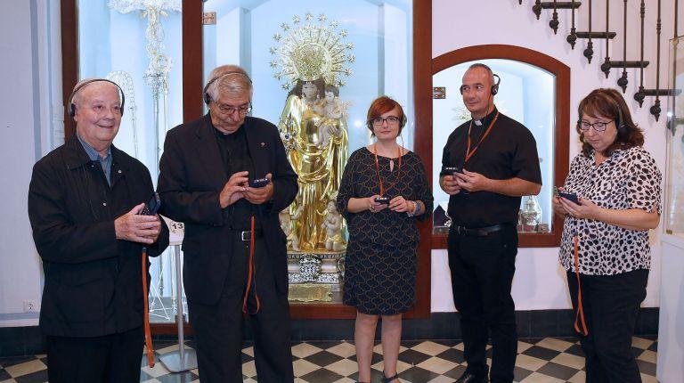 La Basílica de la Virgen presenta un nuevo sistema de audio guías para su Museo Mariano en seis idiomas, con dramatizaciones y música de la Escolanía
