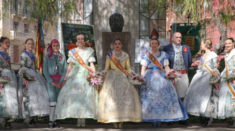 La falla Pintor Segrelles de València homenajea al ilustre pintor valenciano