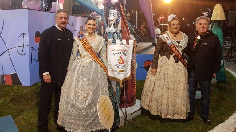 Entrega del 'Premi al Millor Ninot turístic' a la Falla Arzobispo Olaechea - San Marcelino