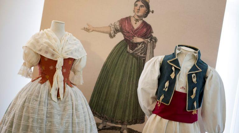 Exposición de indumentaria valenciana en Palau dels Scala todo el mes de marzo