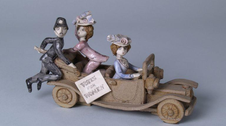 El Museo Nacional de Cerámica recuerda la lucha por el sufragio femenino para el Día Internacional de la Mujer