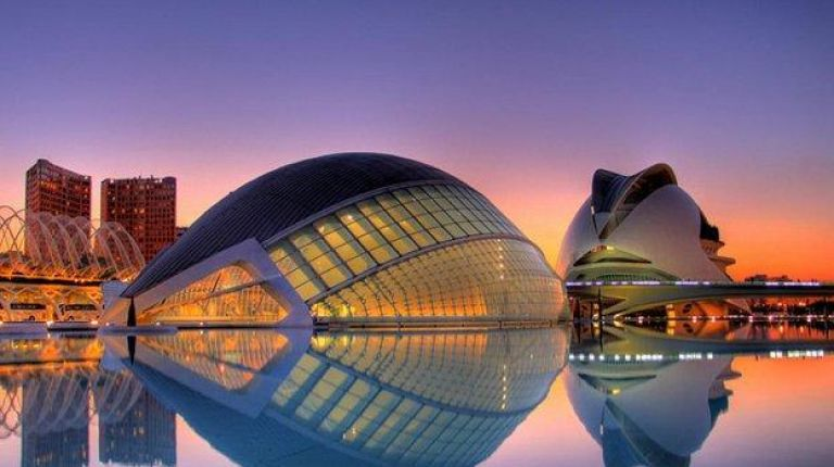 València no se va de vacaciones
