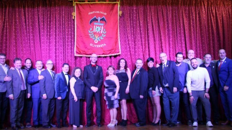 La agrupación olivereta celebra su cena de gala anual.