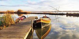 El lago de la Albufera congregará el sábado las imágenes de Cristo crucificado de las localidades ribereñas llevados en barcas