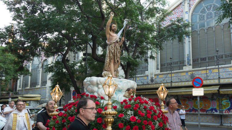 La parroquia de los Santos Juanes de Valencia celebra la procesión con la imagen de Sant Joan del Mercat